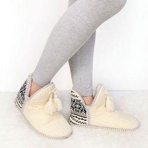 Shoes - Tassel  Booties Slippers